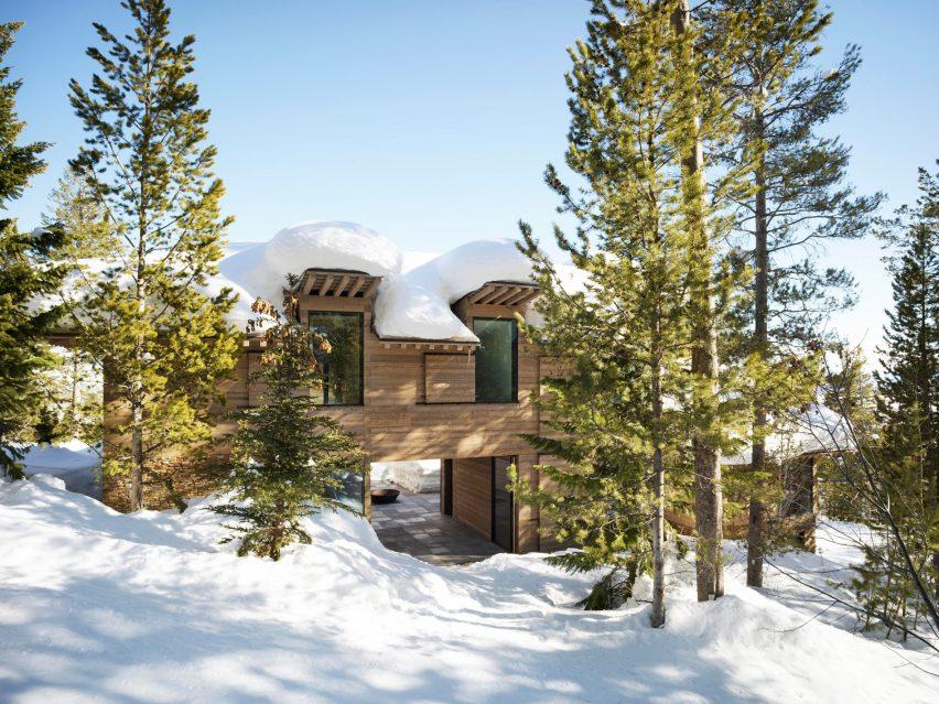 Шкивы открытые деревянные ставни покрытия дома Вайоминг от Olson Kundig