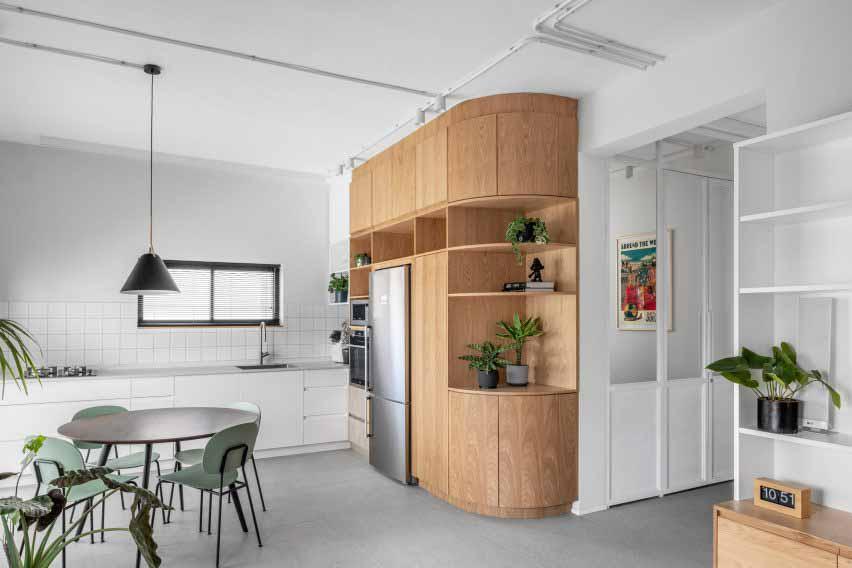 Rust Architects — квартира в Тель-Авив с дубовыми деталями