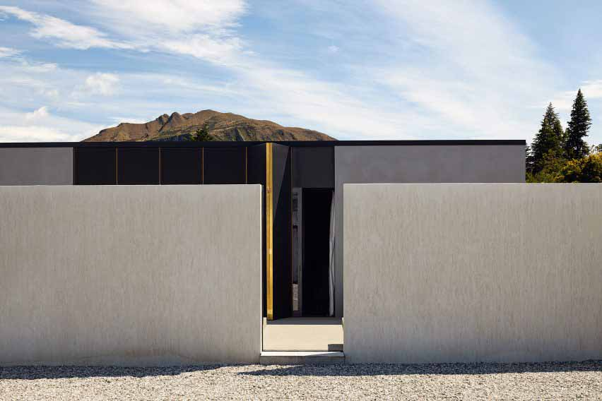 Te Pakeke в Новой Зеландии скрыт черными ставнями и бетонной стеной