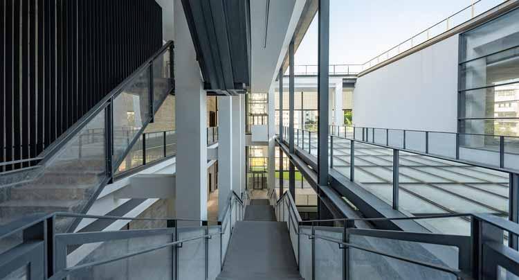 Внешняя лестница. Изображение © Изображение 28