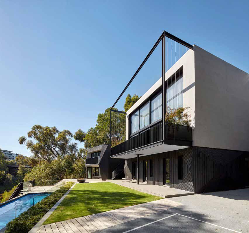 Дом из кипариса построен на берегу реки Ярра в Мельбурне