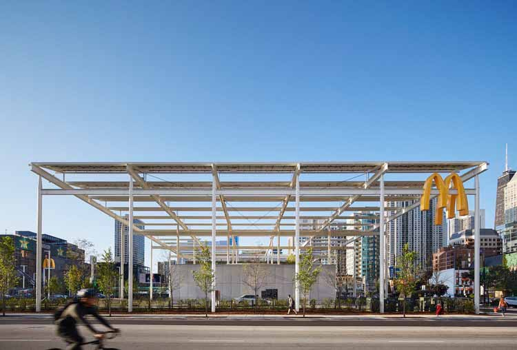McDonald's Chicago Flagship / Ross Barney Architects. Изображение © Кендалл МакКогерти, Hall + Merrick Photographers