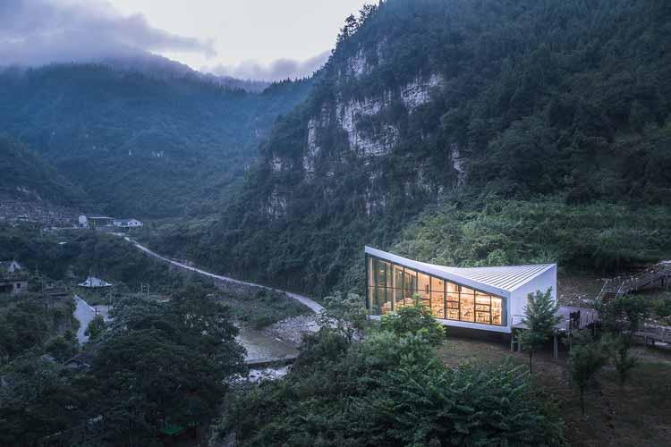 Ремонт 809 Арсенала Реликвии / 3andwich Design / He Wei Studio, Торсионная крыша. Изображение © arch-inbetween