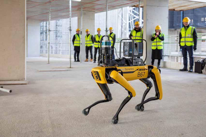 Робот-собака Boston Dynamic Spot помогает архитектурной фирме Foster + Partners на электростанции Баттерси