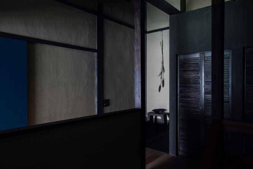 Коридор гостевого дома Маана Камо, автор - Уоя Сигенори