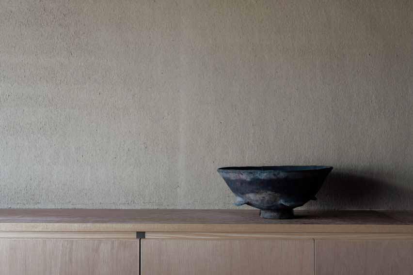 Детали кухни изнутри пансиона Маана Камо от Уоя Сигенори