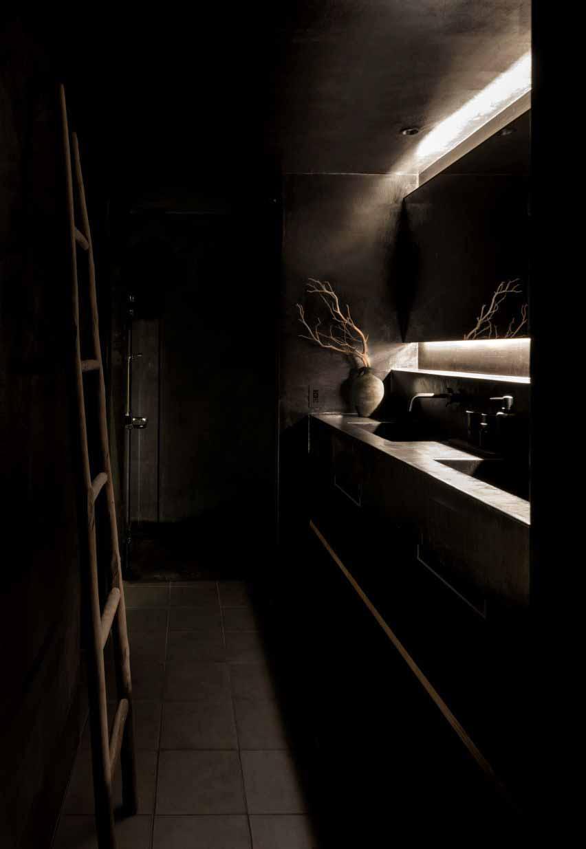 Двойной туалетный столик в гостевом доме Маана Камо, автор - Уоя Сигенори