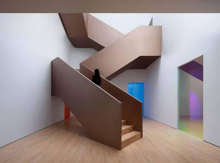 большая лестница на три этажа. Изображение © Qingshan Wu