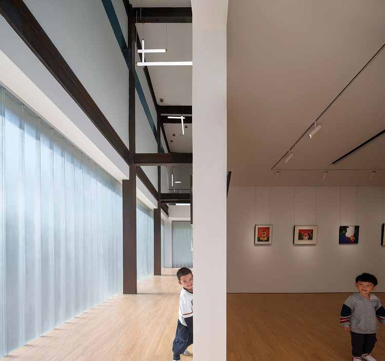 отчетливое светлое и темное пространство. Изображение © Qingshan Wu
