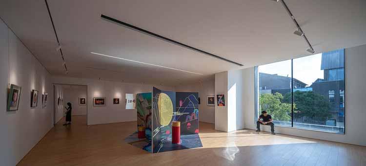 выставочный зал на западной стороне 2-го этажа. Изображение © Qingshan Wu