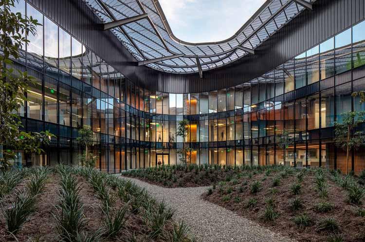 Здание студенческих служб / CO Architects, © Билл Тиммерман