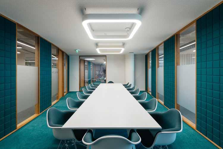 Офисы OLX / Pedra Silva Arquitectos. Изображение © do mal o menos