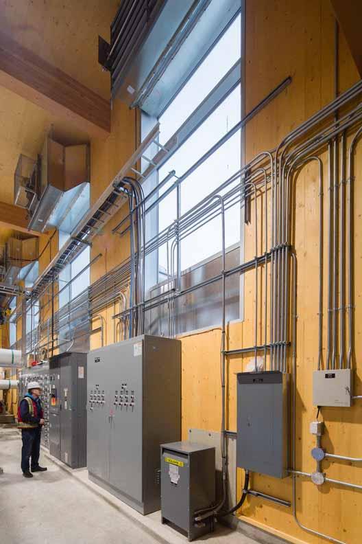Расширение энергокомпании Александровского района / ДИАЛОГ. Изображение © Майкл Элкан. Предоставлено naturallywood.com