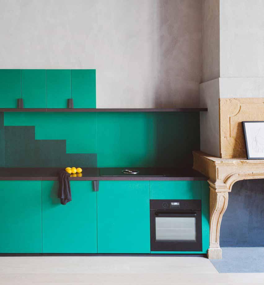 Зеленая кухня в квартире Лиона