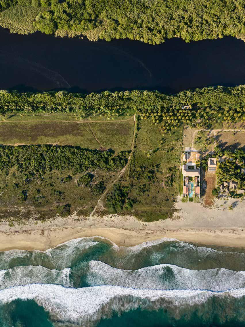 Вид с воздуха на обстановку Casa Cova