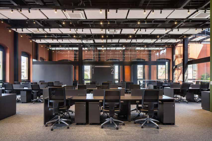 Офисные интерьеры коворкинга от Laurent Troost Architectures
