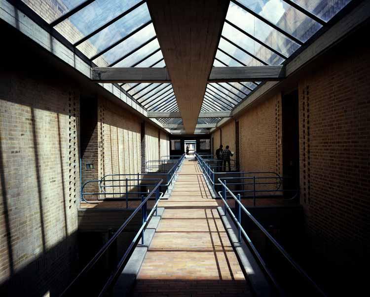 Кладовая Главного архива нации. Изображение © Энрике Гусман