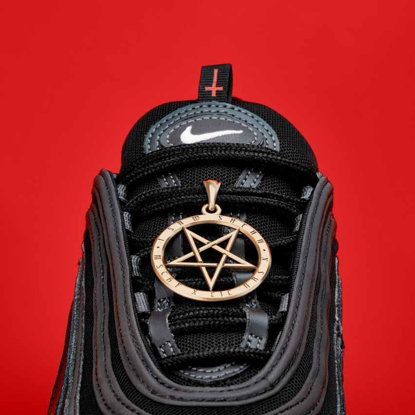 Nike подала в суд на MSCHF за нарушение прав на товарный знак