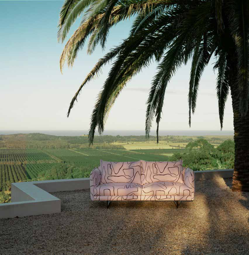 Уличный диван Zaza Чарльза Уилсона для King Living на террасе