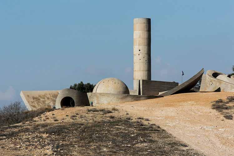 Монумент бригады Негева - Дани Караван (1963-1968). Изображение © Стефано Перего