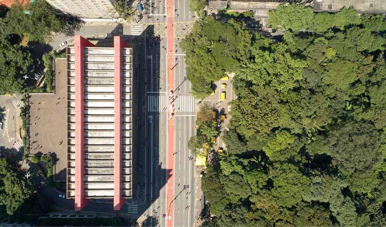 Бразильские проекты в честь демократических пространств, MASP и Avenida Paulista в Сан-Паулу. Изображение © Cifotart | Shutterstock