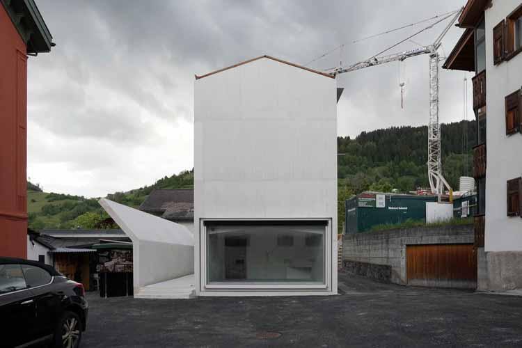 Дом в Лааксе / Валерио Ольджати, любезно предоставлено Archive Olgiati