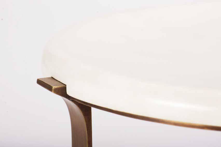 Приставной столик Arch от Elan Atelier