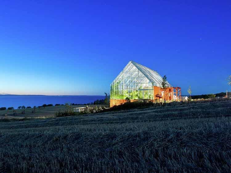 Теплицы как пространство для сосуществования природы и людей, Uppgrenna Nature House / Tailor Made arkitekter. Изображение © Ульф Целандер