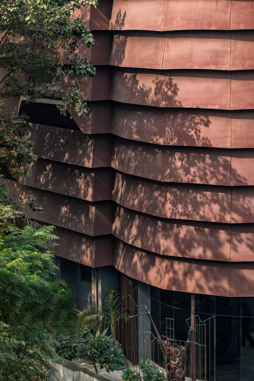 Фасад снят с окон по Архитектурной дисциплине.