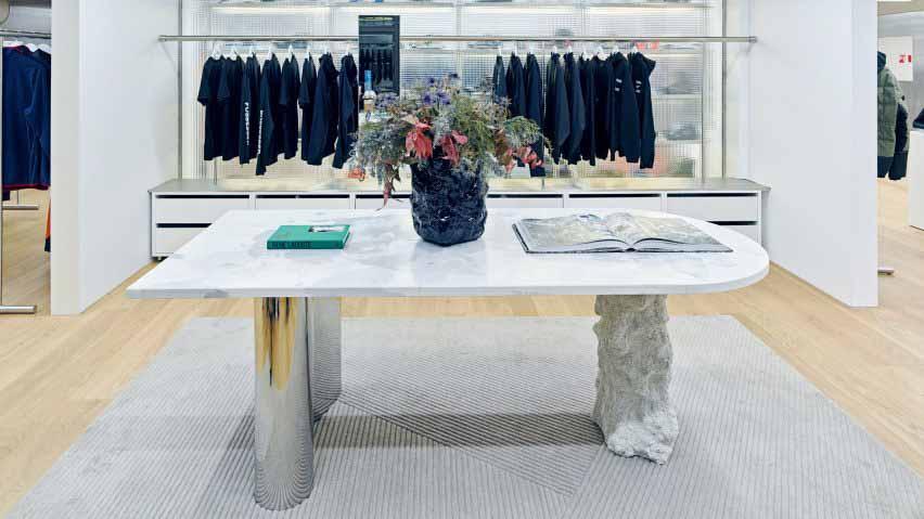 Бетонный и стальной стол от Pettersen & Hein в магазине Moniker