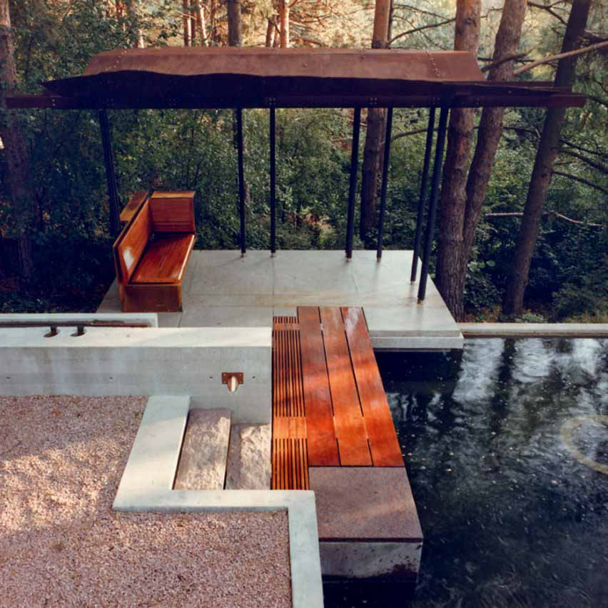 Садовый павильон и отражающий бассейн от Шим-Сатклиффа