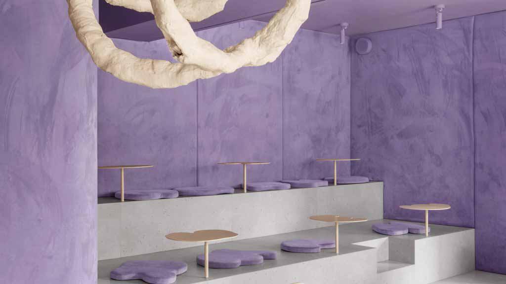В кафе, оформленном в стиле пончиков, стены и мебель выглядят почти съедобными.