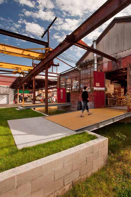 Steel Yard в Провиденсе, штат Род-Айленд, привлекает местных художников и общественность к творчеству и процессу создания. Изображение © Klopfer Martin Design Group