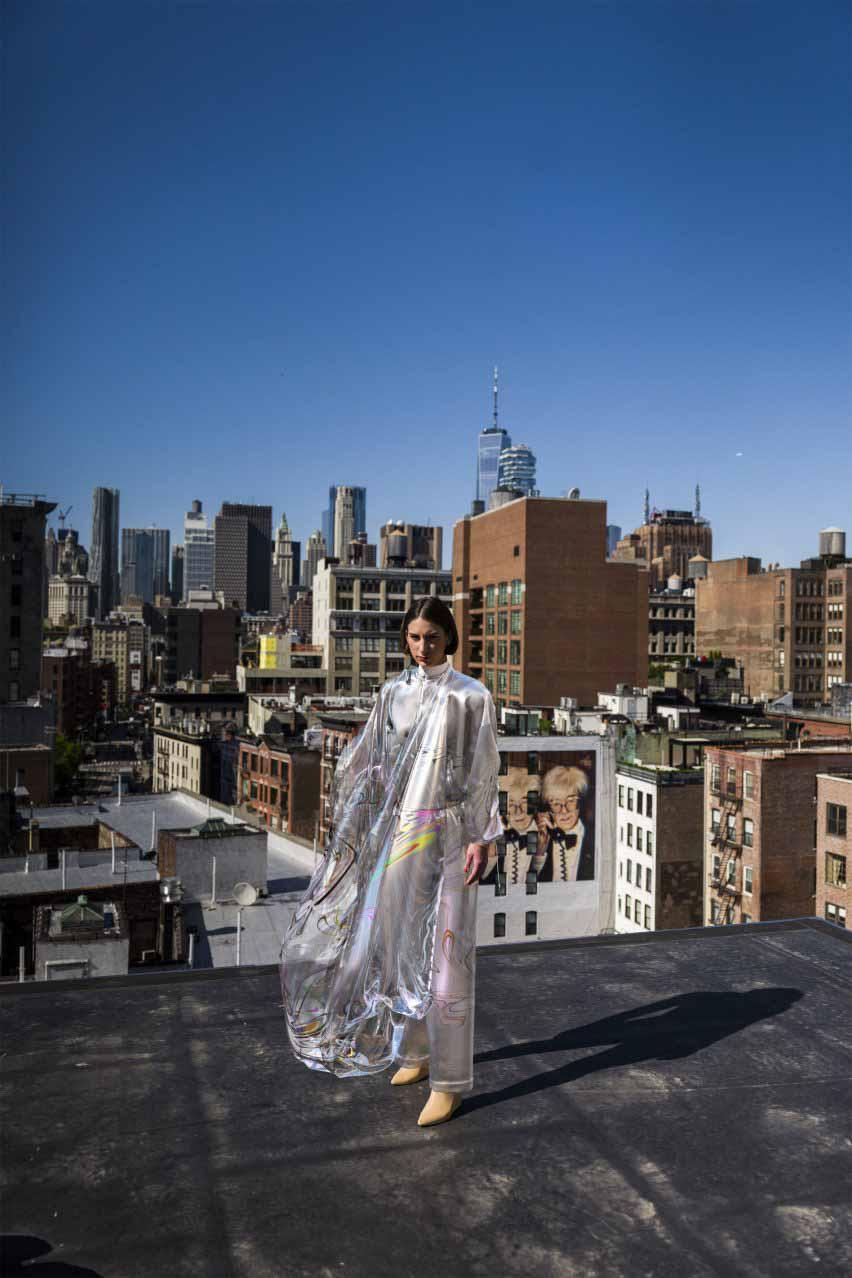 Платье Iridescence от The Fabricant продается как NFT