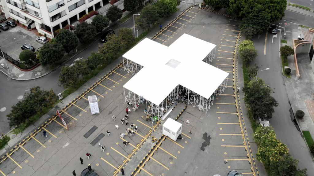 Colab-19 строит церковь в Боготе для богослужений во время пандемии