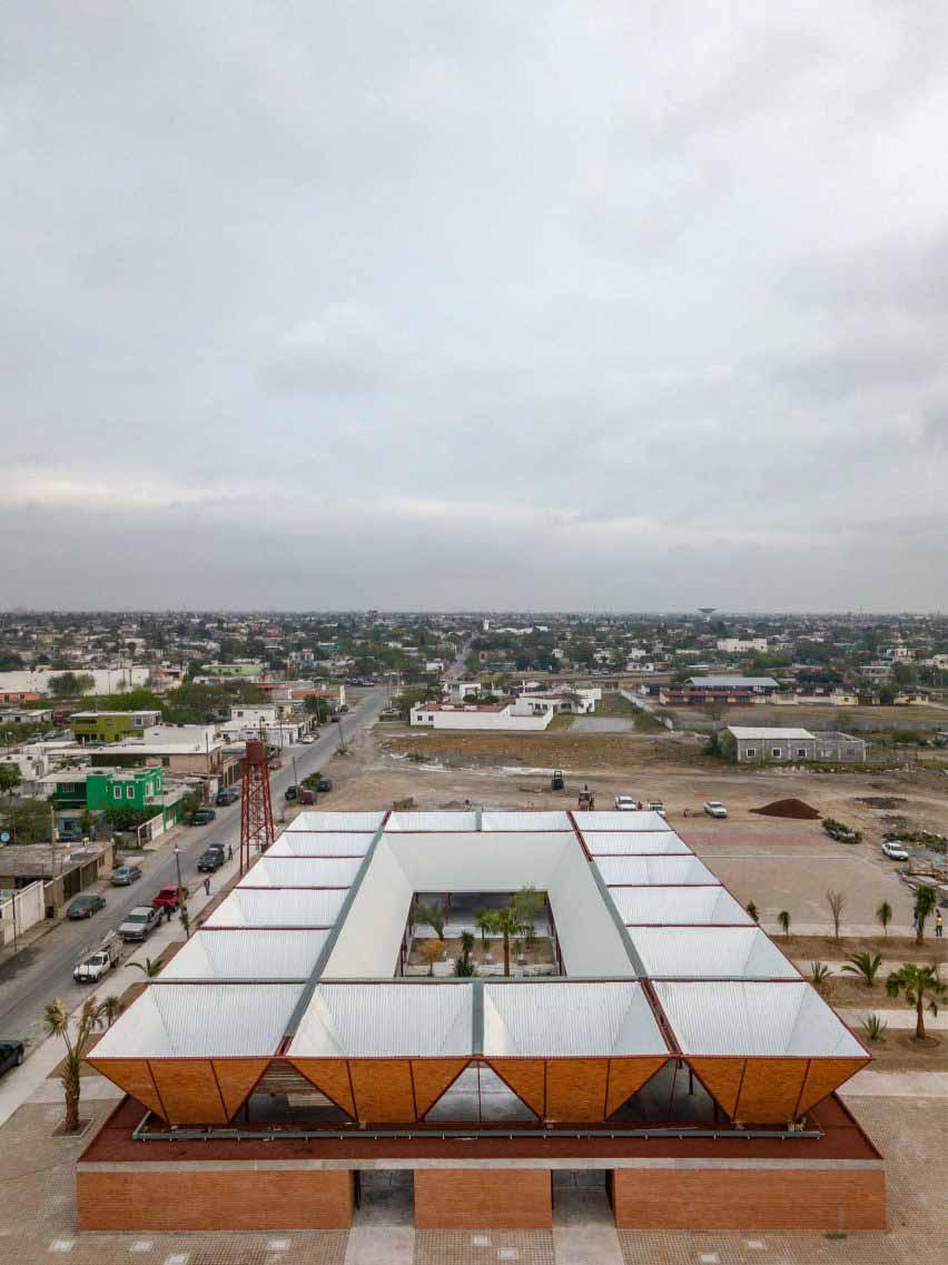 Кадры с дрона на рынке в Мексике