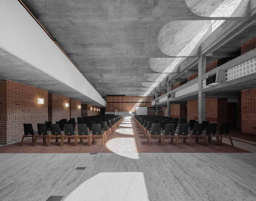 Ремонт главного зала Академии Кузануса, проведенный MoDus Architects