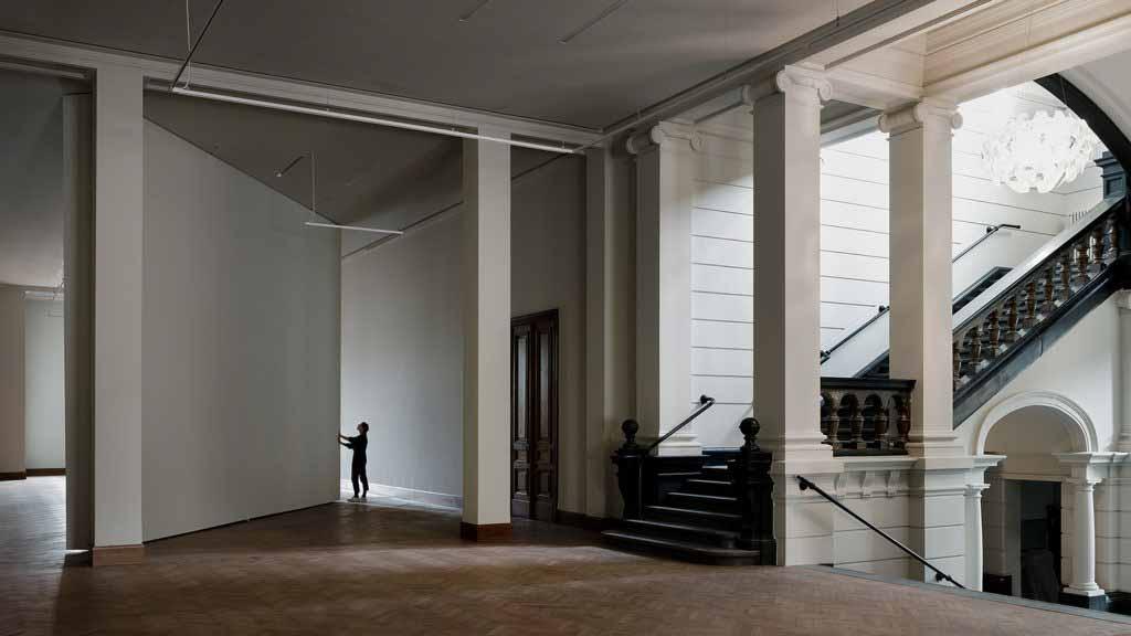 Kaan Architecten скрывает пристройку в Королевском музее изящных искусств Антверпена