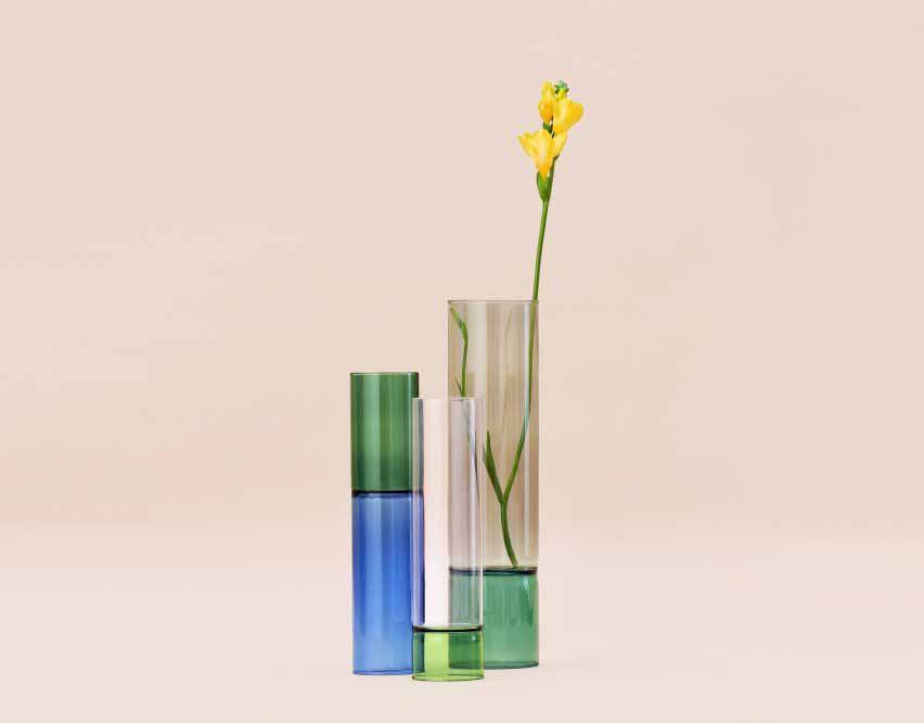 Лэмпворкинг использовался для изготовления ваз.