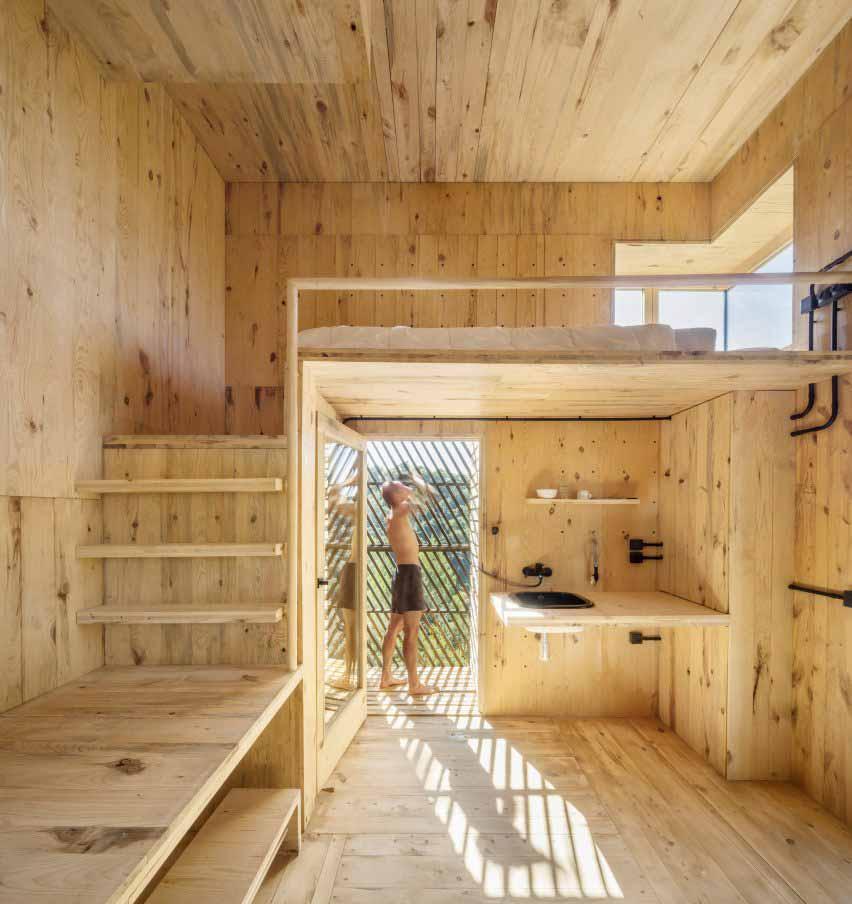 Деревянный интерьер кабины Voxel