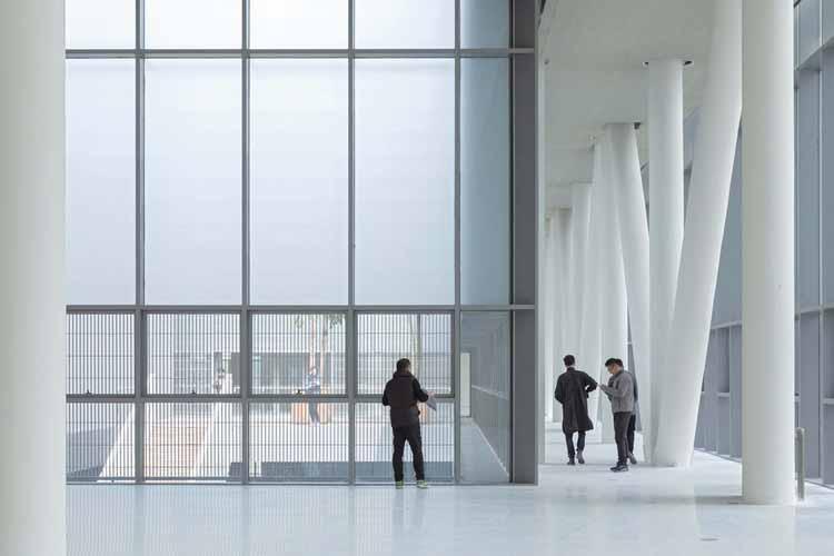 Интерьер галереи на крыше. Изображение © Shengliang Su