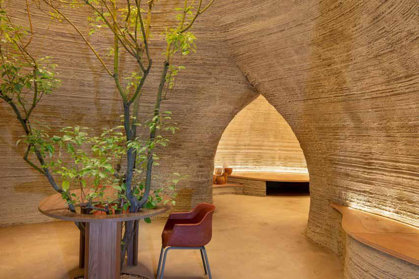 Арки ведут между двумя пространствами от Mario Cucinella Architects и Wasp.