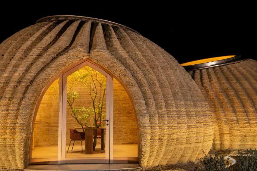 Стеклянная входная дверь от Mario Cucinella Architects и Wasp.