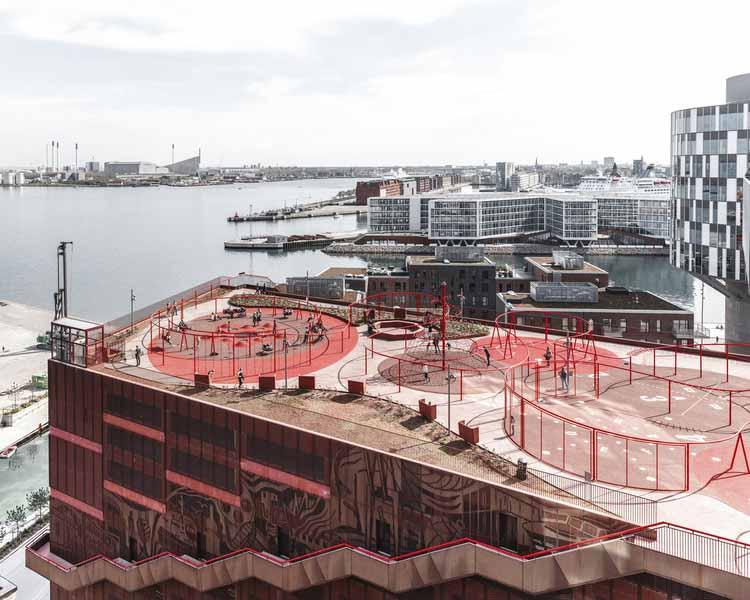 Новый уровень общественного пространства: аргументы в пользу активации городских крыш, Park 'n' Play от JAJA Architects. Изображение © Rasmus Hjortshøj
