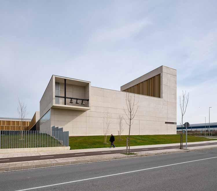 Институт Салезианос Памплона / Garmendia Cordero Arquitectos + TCGA Arquitectos, © Педро Пегенауте