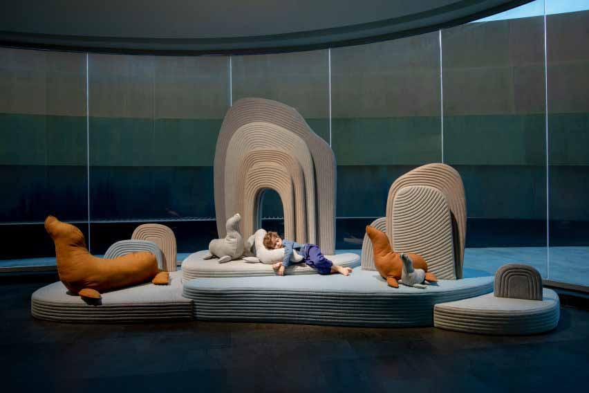 Мягкие животные в Музее дизайна Холон