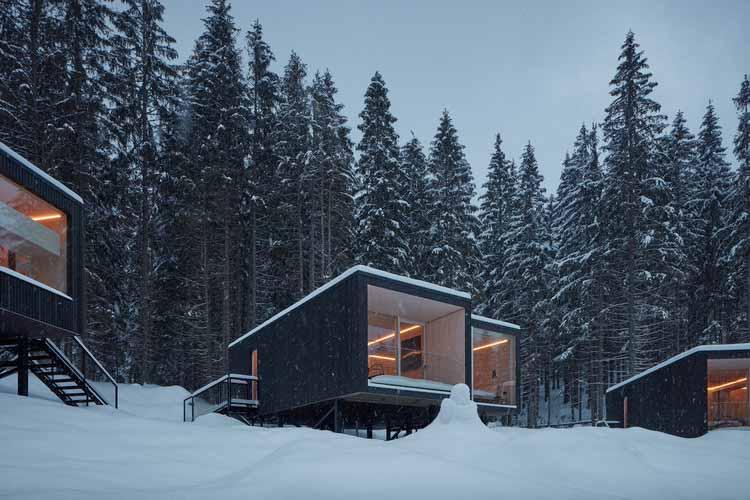 Приюты для отеля Bjornson / Ark-shelter, © BoysPlayNice