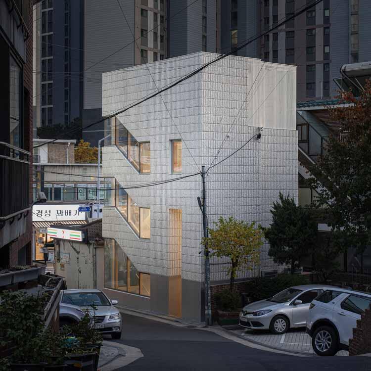 Здание FACE-LIFT Sangdo / stpmj, © Bae Jihun