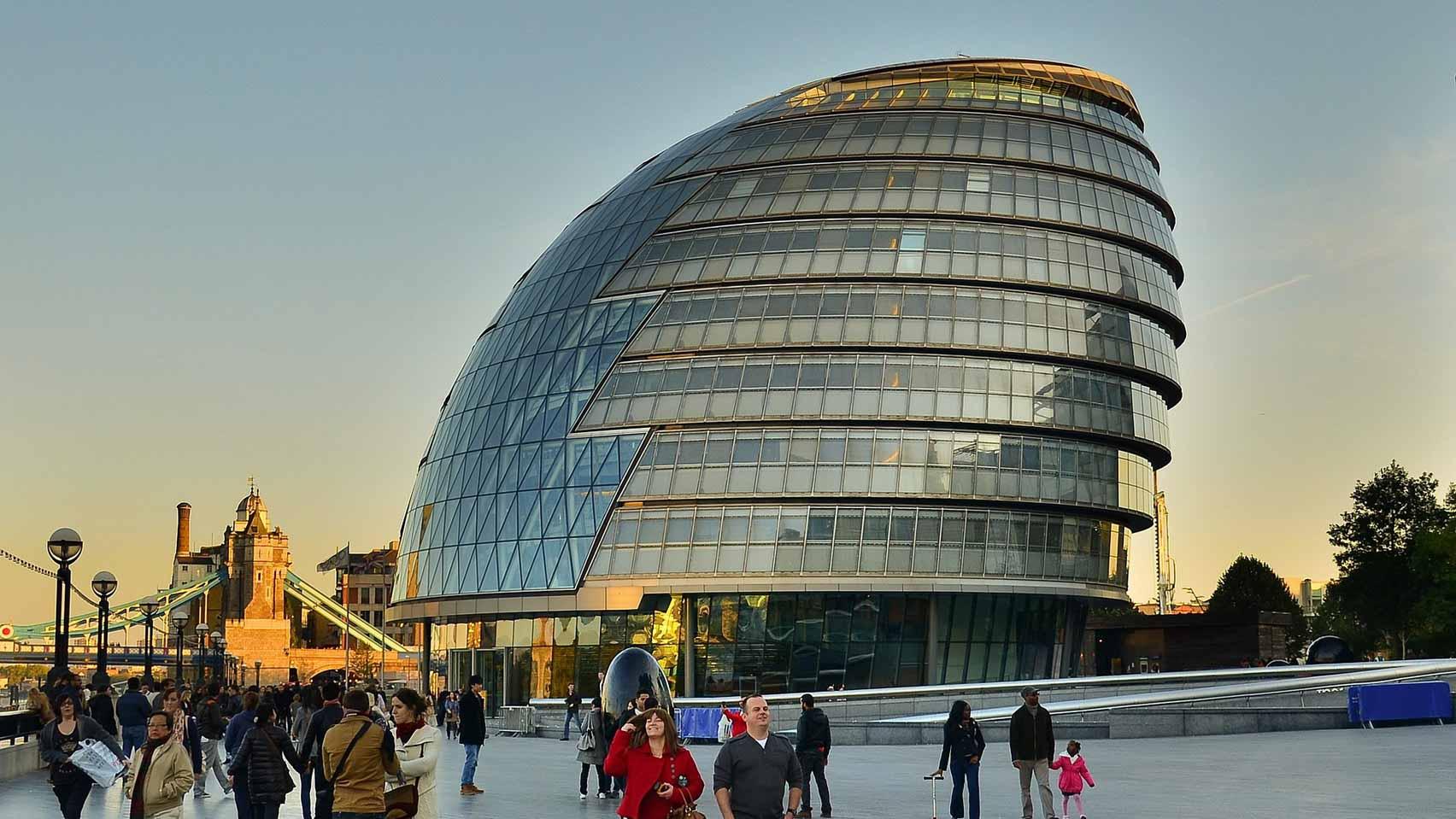 Ратуша Foster + Partners среди известных зданий в Великобритании, находящихся под угрозой