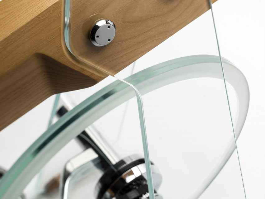 Крупный план стеклянного маховика на велосипеде Fuoripista
